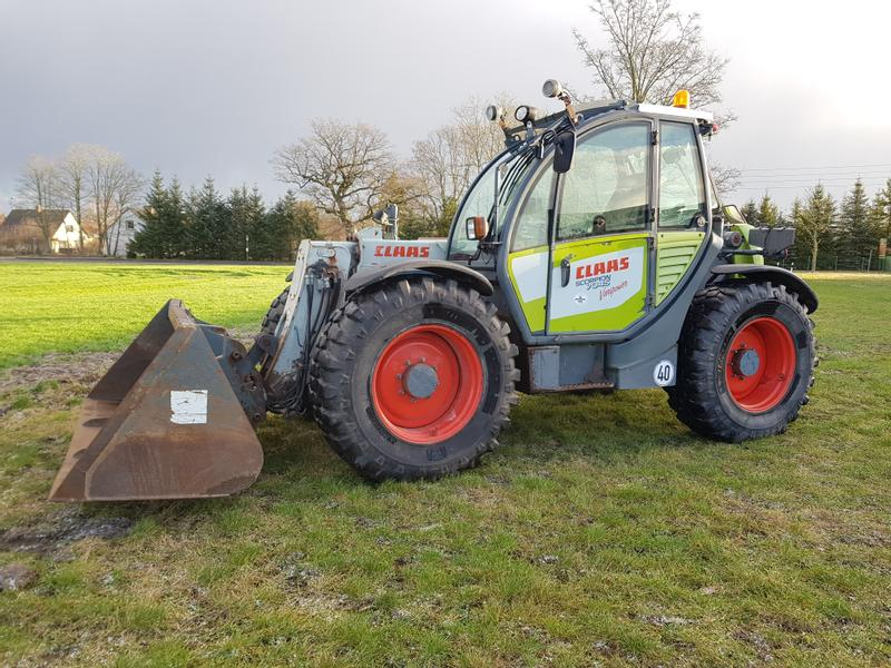 Claas Claas 7045 Varipower Plus