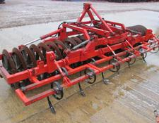FARMFORCE 4 metre Folding Front Press,