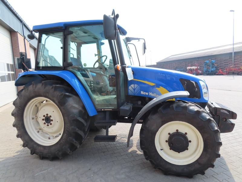 New Holland t 5060
