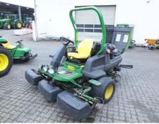 John Deere 8000 E Cut Hybrid Fairway Spindelmäher